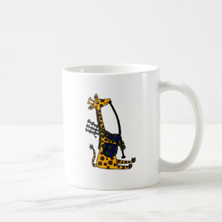 Girafe drôle jouant l'art de cornemuses mug