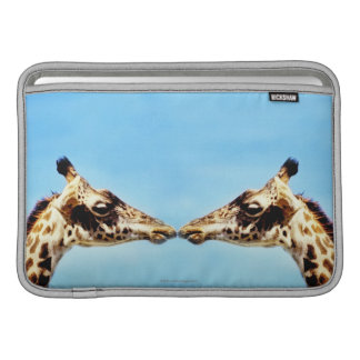 Girafes touchant des nez poche pour macbook air