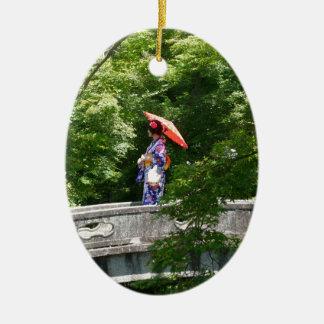 Girl Japan Ornement Ovale En Céramique