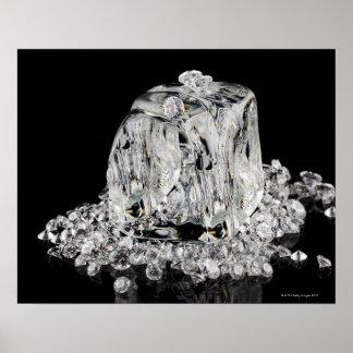 Glaçons fondant dans des diamants affiches
