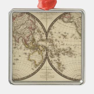 Globe dans deux hémisphères ornement carré argenté