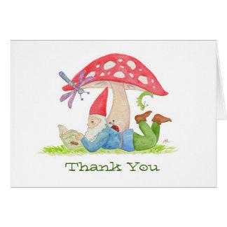 Gnome avec le carte de remerciements de livre