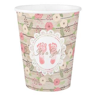 Gobelets En Papier C'est une tasse de papier de fleurs en bois