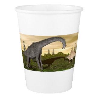 Gobelets En Papier Les dinosaures 3D de Brachiosaurus et de