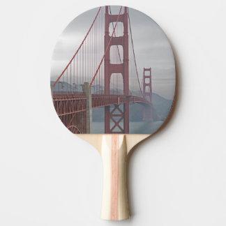 Golden gate bridge en brume raquette de ping pong