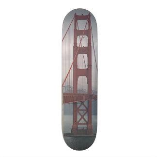 Golden gate bridge en brume skateoard personnalisé