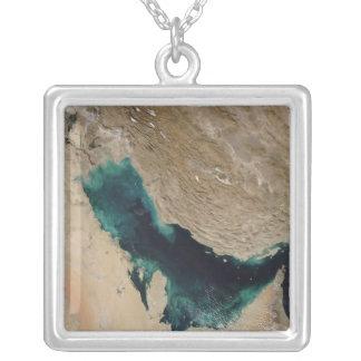 Golfe Persique Pendentif Carré