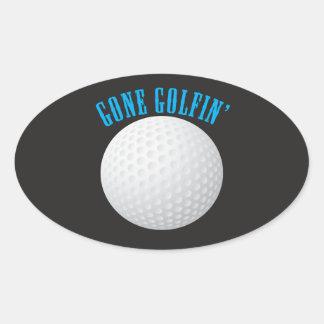 Golfeur allé jouer au golf la boule de golf sticker ovale