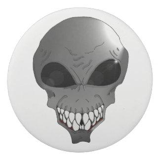 Gomme ronde étrangère grise
