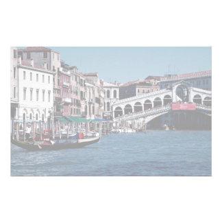 Gondole sur le canal grand, pont de Rialto, Venise Papier À Lettre Personnalisé