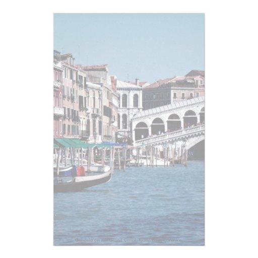 Gondole sur le canal grand, pont de Rialto, Venise Papier À Lettre Customisé