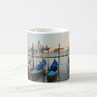 Gondoles à Venise Mug
