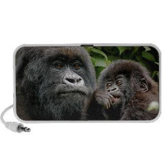 Gorille ougandais de mère et de bébé haut-parleurs ordinateur portable