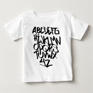 graffiti d'alphabet t-shirt pour bébé
