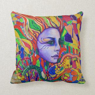 Graffiti du visage de la femme colorée dans coussin décoratif