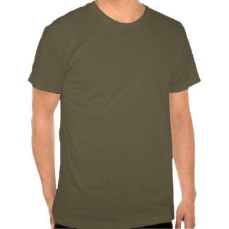Grand hibou à cornes t-shirts