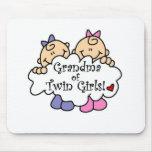 Grand-maman des filles jumelles tapis de souris