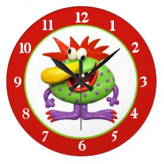 Grand monstre jaune de nez grande horloge ronde