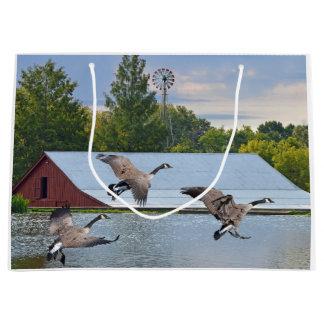 Grand Sac Cadeau Oies du Canada débarquant sur l'étang