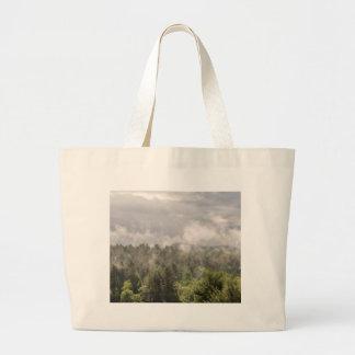 Grand Tote Bag Brouillard vert de montagnes
