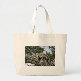 Grand Tote Bag Chat sauvage animal de safari de l'Afrique d'arbre