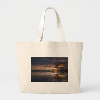 Grand Tote Bag Coucher du soleil à la marina dans Anacortes à