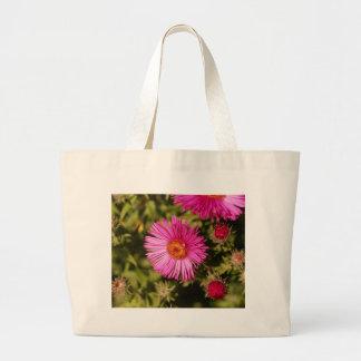 Grand Tote Bag Fleur d'un aster de Nouvelle Angleterre