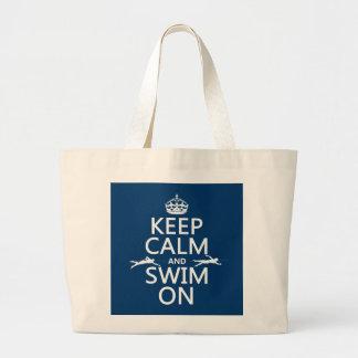 Grand Tote Bag Gardez le calme et nagez sur (dans toute couleur)