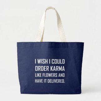 Grand Tote Bag Karma comme la plaisanterie fournie par fleurs