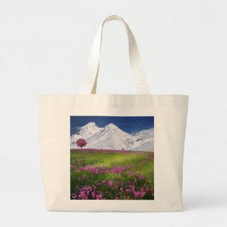Grand Tote Bag Paysage pourpre de fleurs d'herbe de montagnes de