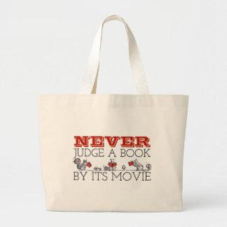 Grand Tote Bag Pour des amoureux des livres ne jugez jamais les