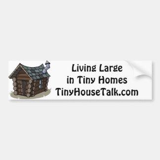Grand vivant dans les maisons minuscules autocollant de voiture