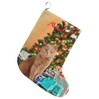 Grande Chaussette De Noël Chat avec l'arbre et les boîtes-cadeau de Noël