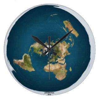Grande horloge murale de la terre plate