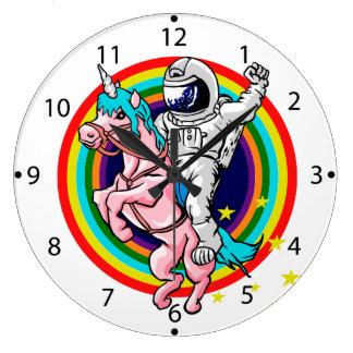 Grande Horloge Ronde Astronaute montant une licorne
