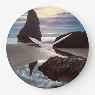 Grande Horloge Ronde Bord de la route Épine-Formé de roche de visage du