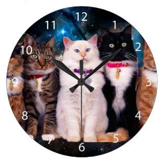 Grande Horloge Ronde Chats avec des colliers dans l'espace