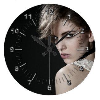 Grande Horloge Ronde Coiffeur