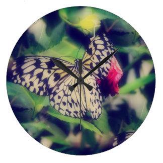 Grande Horloge Ronde Collage de papillon
