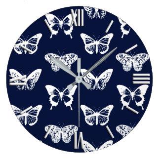 Grande Horloge Ronde Croquis de papillon, bleu marine et blanc