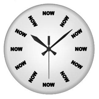Grande Horloge Ronde Drôle synchronisez maintenant