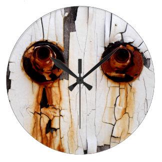 Grande Horloge Ronde Écrous de boulon et peinture rouillés d'épluchage