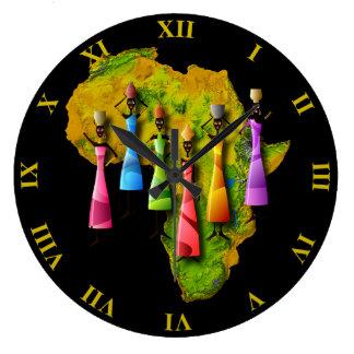 Grande Horloge Ronde Femmes africaines dans des robes colorées sur la