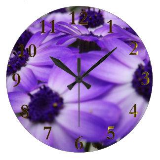 Grande Horloge Ronde fleurs pourpres