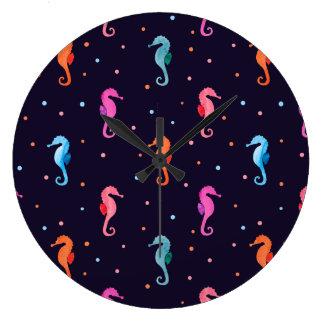 Grande Horloge Ronde Hippocampes d'aquarelle sur le motif de bleu