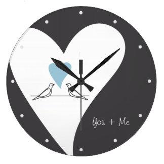 Grande Horloge Ronde Inséparables bleu-clair personnalisés de coeur
