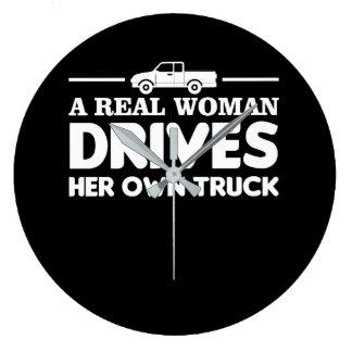 Grande Horloge Ronde La vraie femme conduit ses propres femmes de