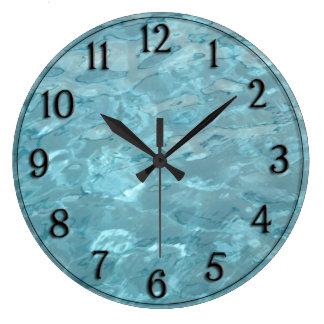 Grande Horloge Ronde L'eau de piscine - abrégé sur amusement d'été