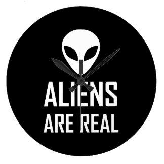 Grande Horloge Ronde Les aliens sont la vraie science-fiction