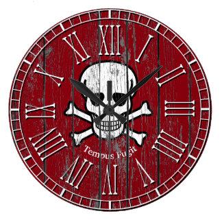 Grande Horloge Ronde Les os croisés de crâne patinés personnalisent